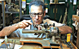 Master Clockmaker Mark Egizi in Turnersville